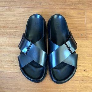 *NEW* Schutz sandals - black -8.5 - made in Brazil